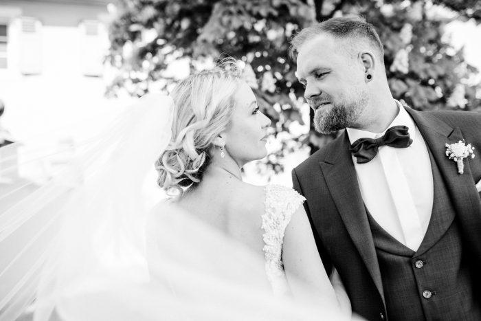 Brautpaar-Waghäusel-Hochzeitsfotograf-Hochzeitsreportage-Eremitage Waghäusel-Graben-neudorf