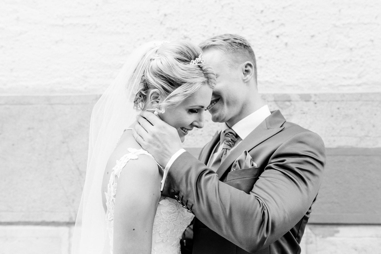 Hochzeit-Fotograf-BadenBaden-Casino-Trinkhalle-Hochzeitsfotograf-Karlsruhe-Bruchsal-GrabenNeudorf-Brautpaar-Fotoshooting-18